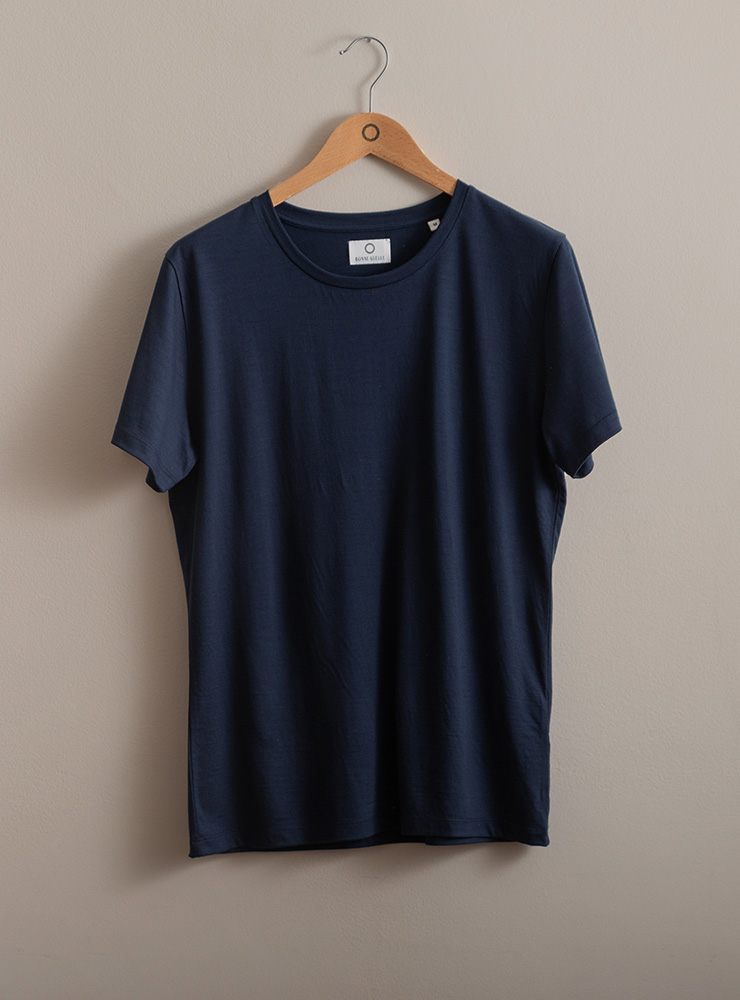 zoom matiere tee shirt navy reda active