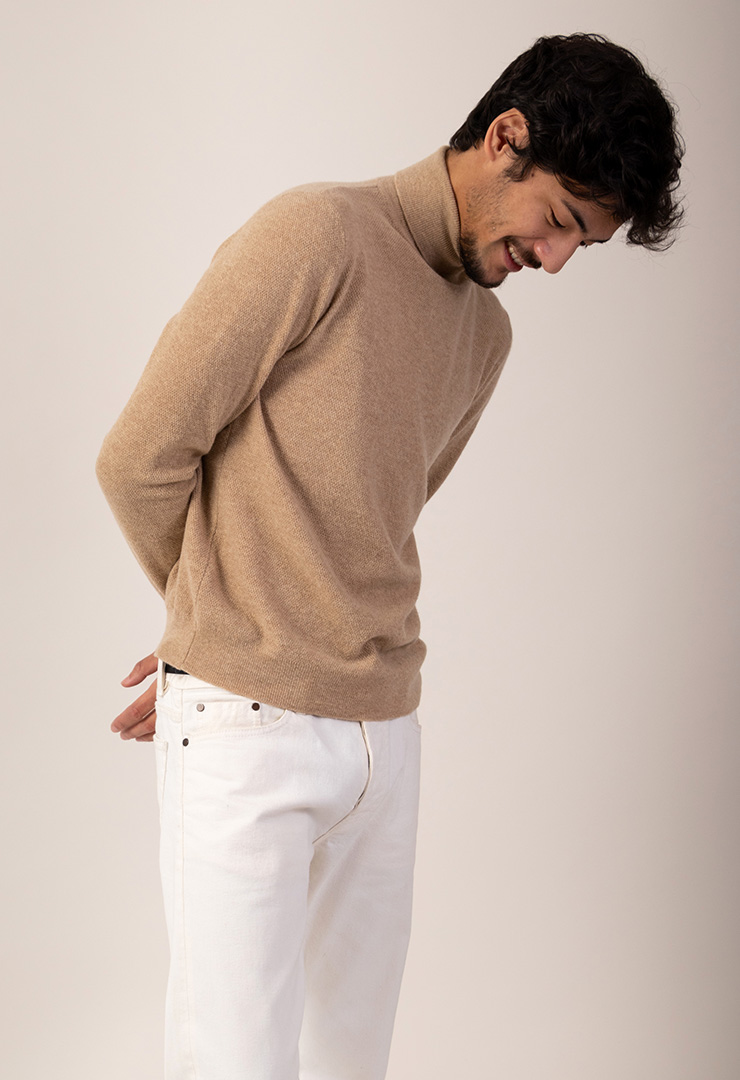 pull col roule camel face