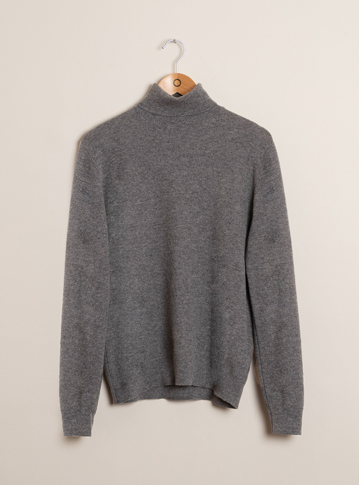 zoom couv pull col roule gris