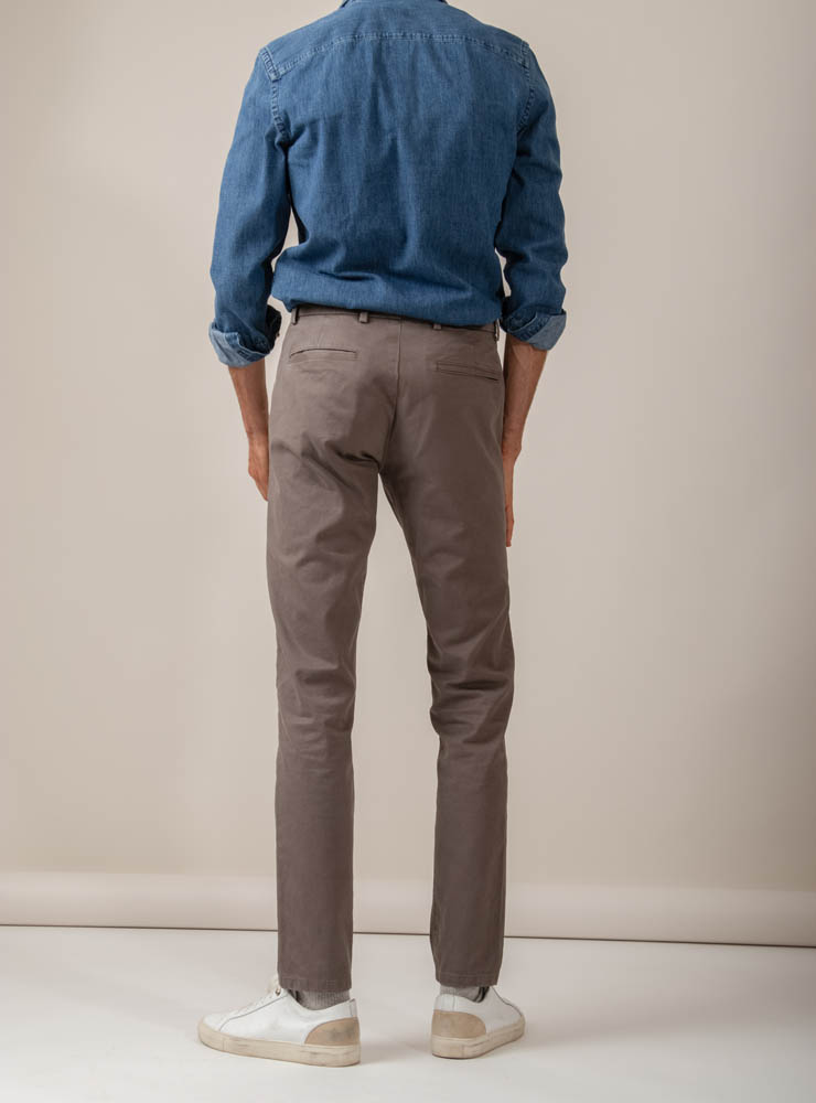 couv 2 370 chino taupe