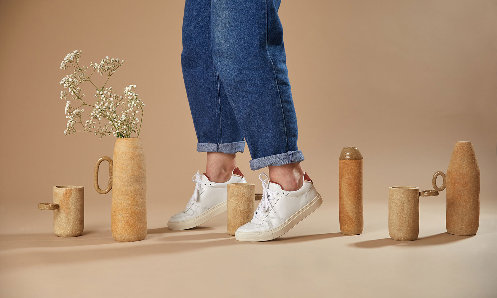 sneakers femme ina blanches photo de couverture